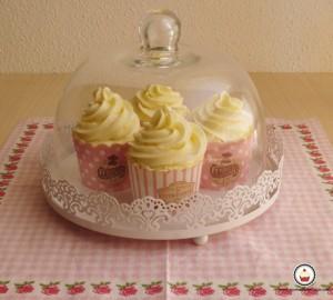 Cupcakes de vainilla. Aroma de chocolate