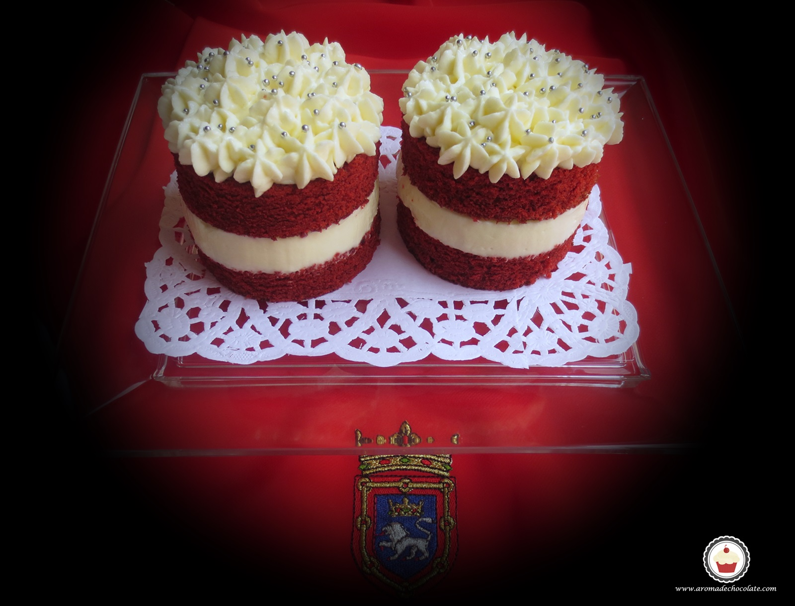 Mini Red Velvet cakes. Aroma de chocolate