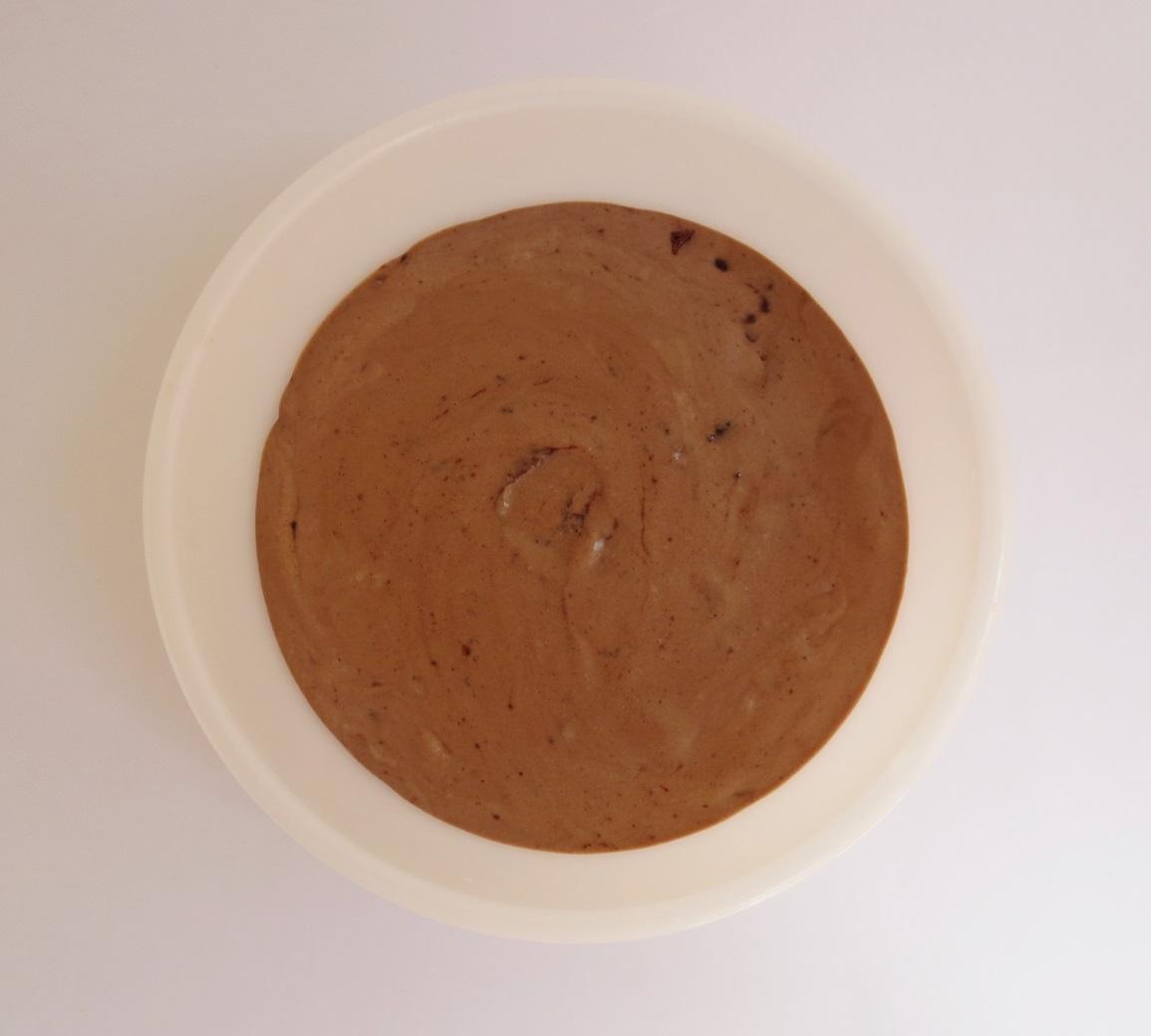 Helado de chocolate y cookies sin congelar. Aroma de chocolate.