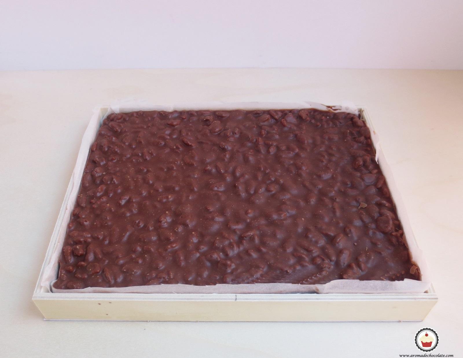 Turrón de chocolate listo. Aroma de chocolate