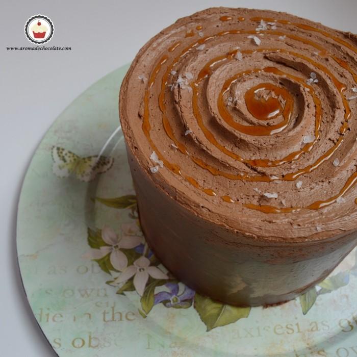 Tarta de chocolate y caramelo salado. Aroma de chocolate
