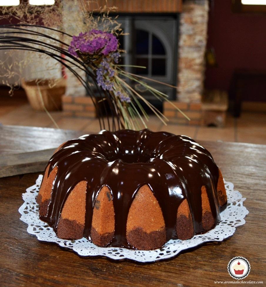 Bundt cake de chocolate y cacahuete. Aroma de chocolate