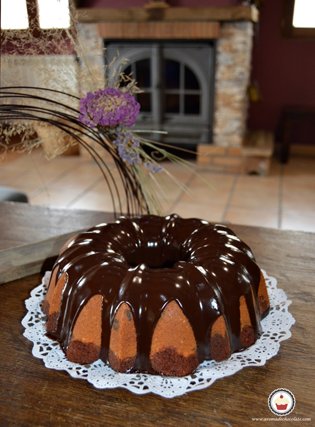 Bundt cake de chocolate y cacahuete. Aroma de chocolate. Final