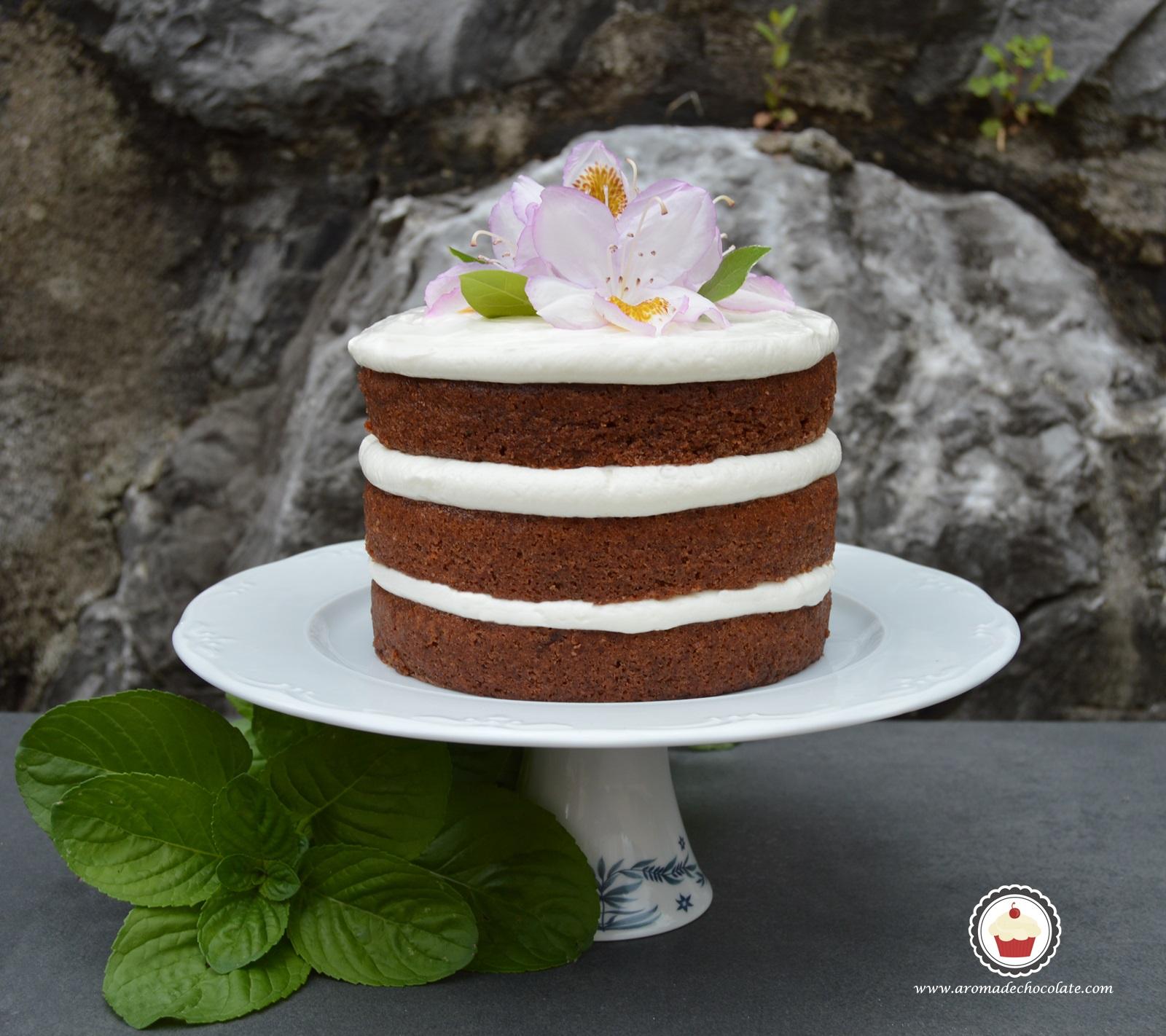 Beet chocolate naked cake. Aroma de chocolate