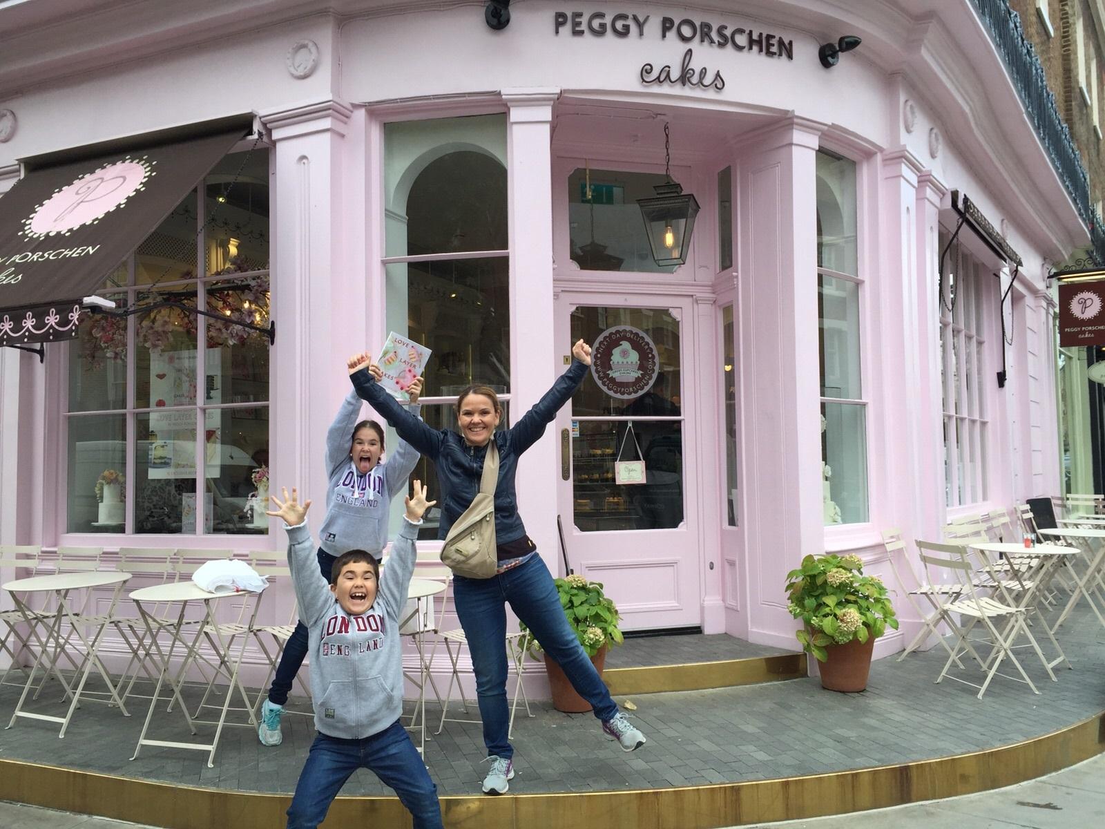 Con mis niños en Peggy Porchen Parlour. Aroma de chocolate