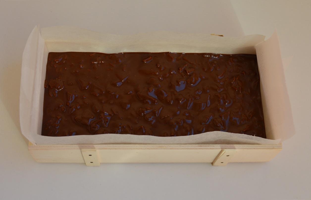 Primera capa en molde. Aroma de chocolate