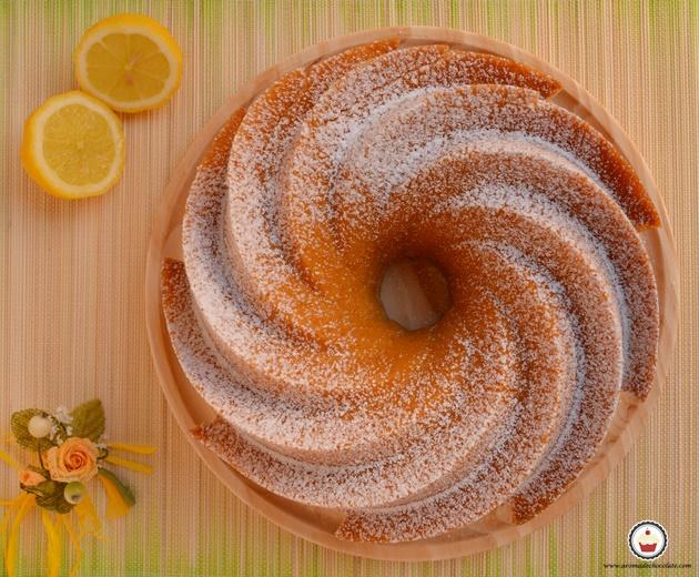 Bundt cake de limón. Aroma de chocolate