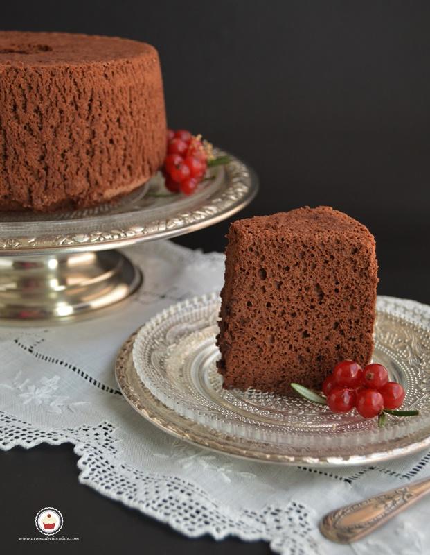 Chocolate angel food cake. Aroma de chocolate