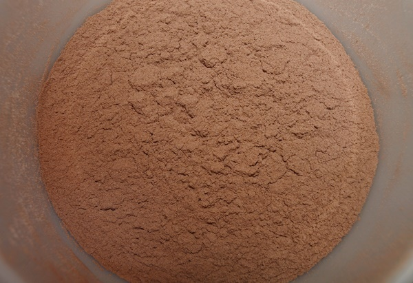 Cacao, harina y sal. Aroma de chocolate