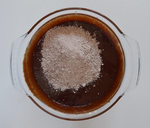 Añadiendo los secos. Aroma de chocolate