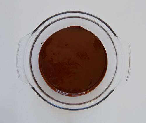 Chocolate con mantequilla avellana en bol. Aroma de chocolate