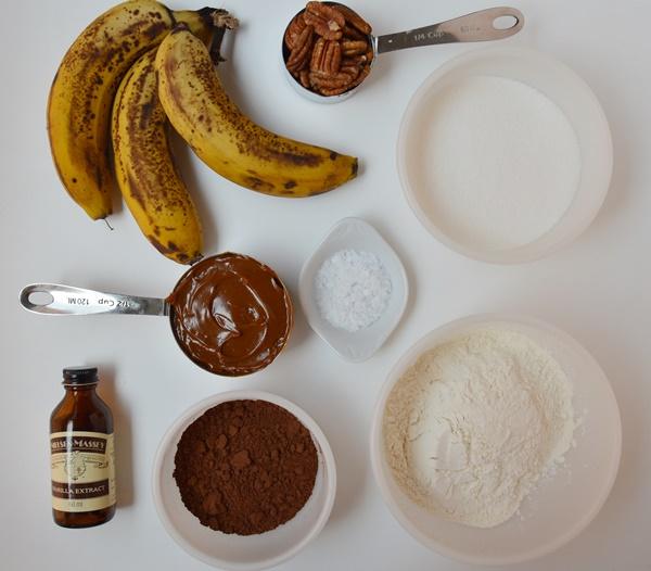 Ingredientes brownie de plátano y dulce de leche salado. Aroma de chocolate