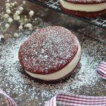 Red velvet whoopie pie. Aroma de chocolate