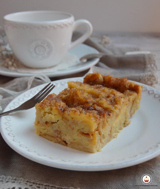 Pudin de roscón de reyes. Special bread pudding. Aroma de chocolate