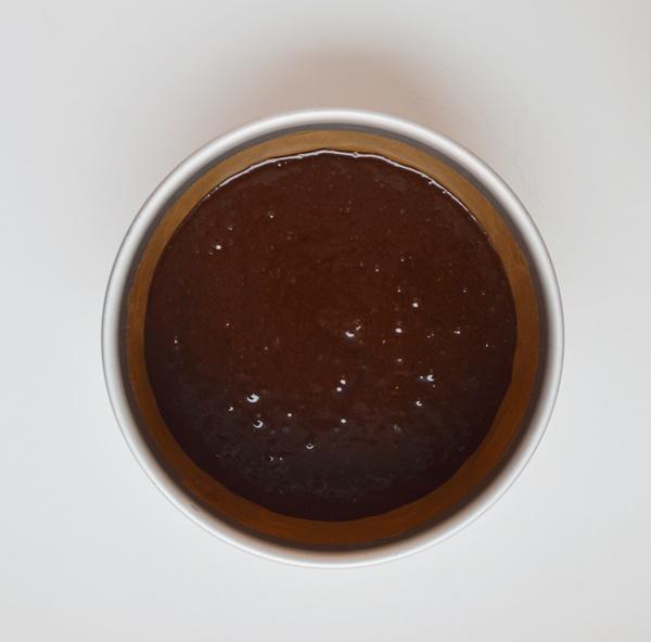 Masa en molde. Aroma de chocolate