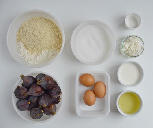 Añadiendo la nata y el aceite. Aroma de chocolate