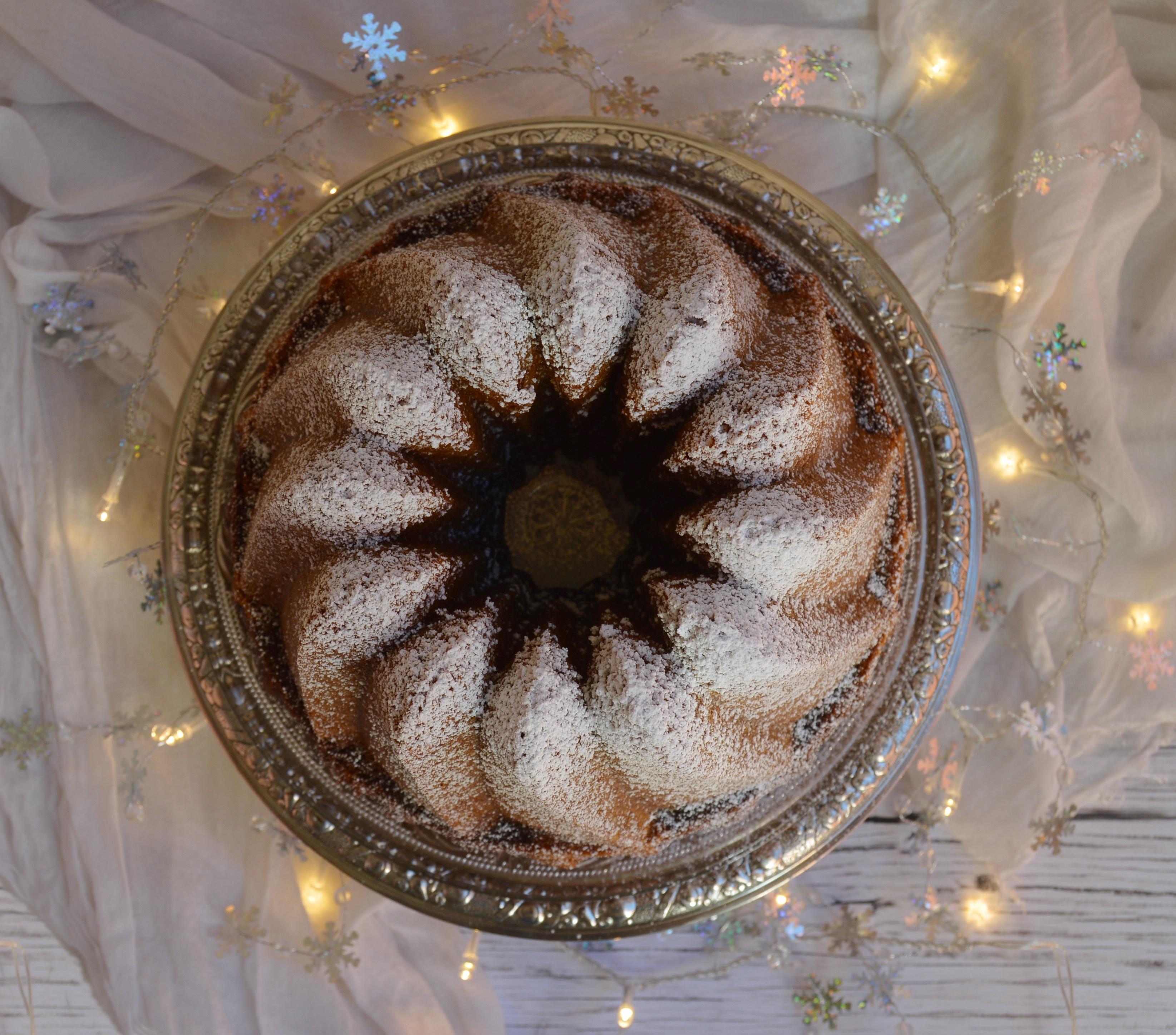 Bundt cake marmolado de turrón de Jijona. Aroma de chocolate