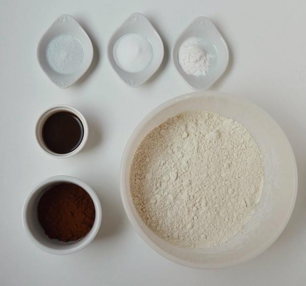 Ingredientes bundt cake marmolado de turrón de Jijona 2. Aroma de chocolate