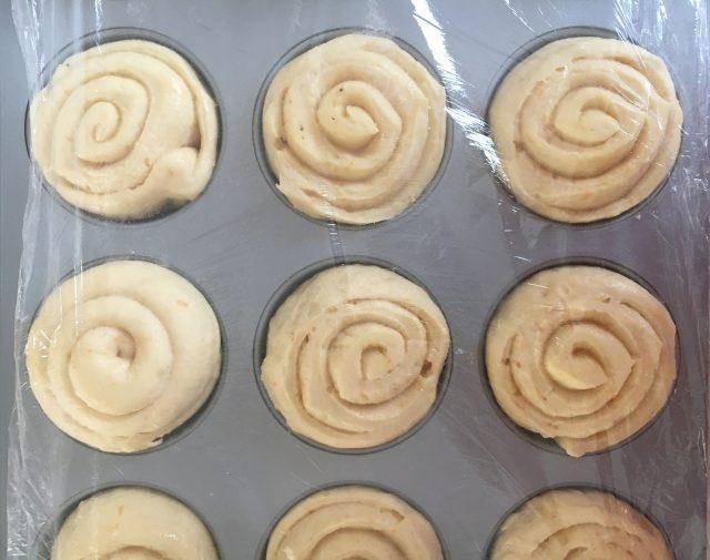 Panecillos dulces de patata en molde. Aroma de chocolate